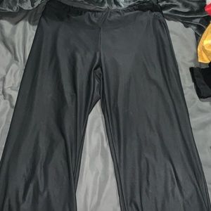 Nike cropped yoga pants